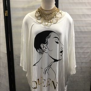 Queen loose fit T- Shirt face of a lady